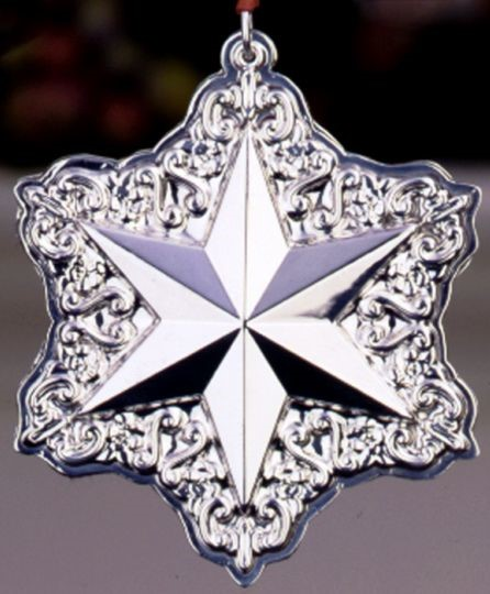 Towle - 'Xmas Ornament' - Star- 2001- 5th in series