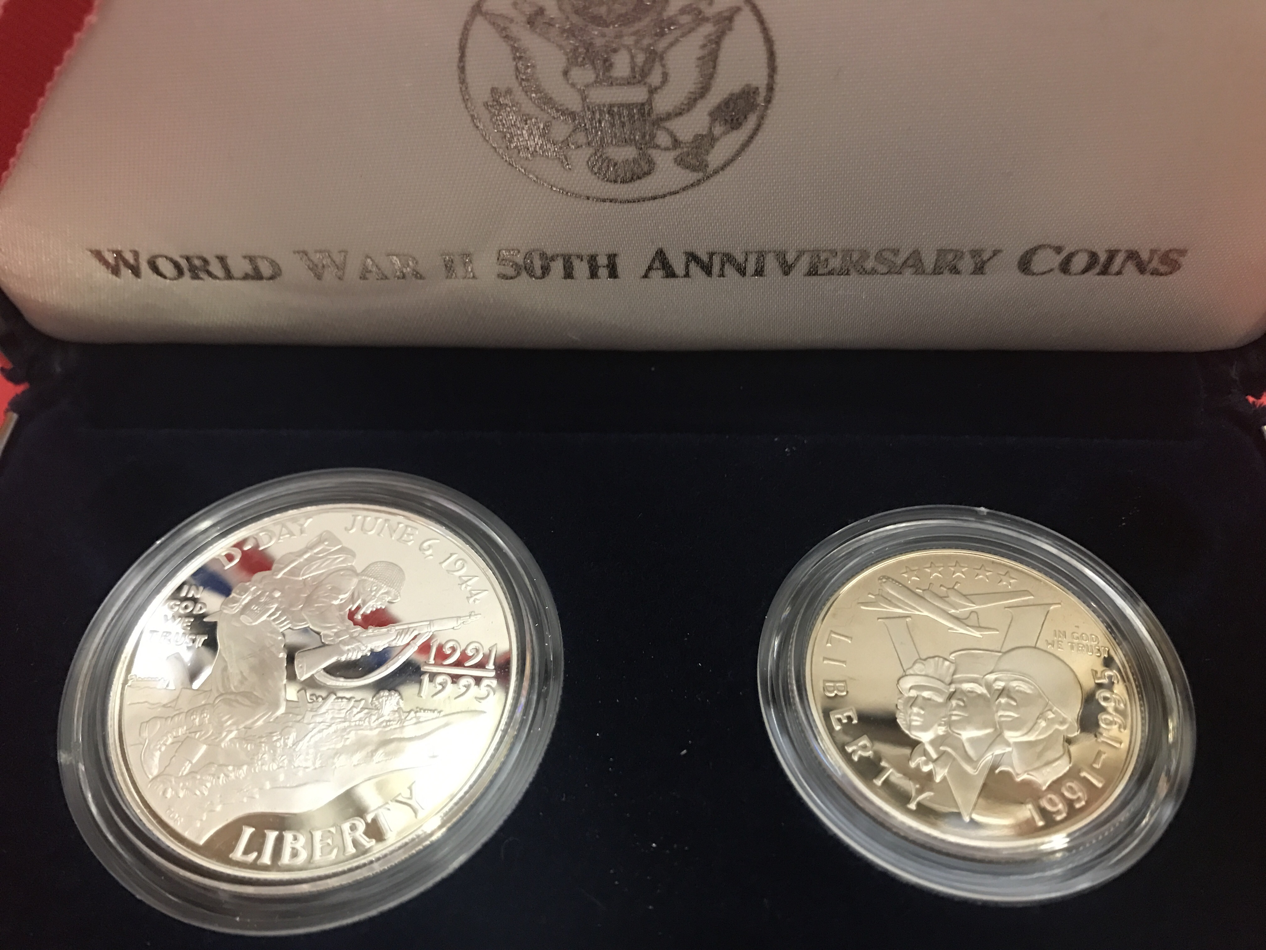 U.S. Coin - 'Proof' - Silver Dollar & Clad 1/2- 1995 WWII